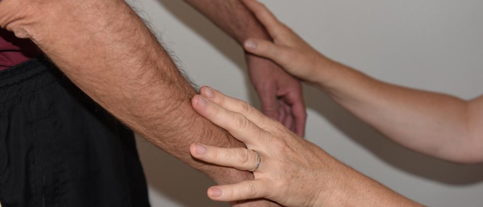 Exakte individuelle Beratung und Stressabbau durch Muskeltest,